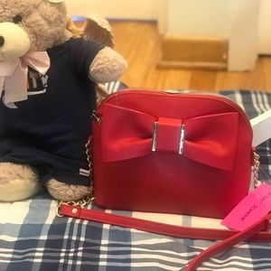 NEW BETSEY JOHNSON CROSSBODY BAG WITH BOW ACCENT